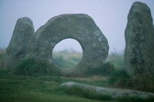 Men-an-Tol,Cornwall,3000-5000 years old. (photographer unknown)