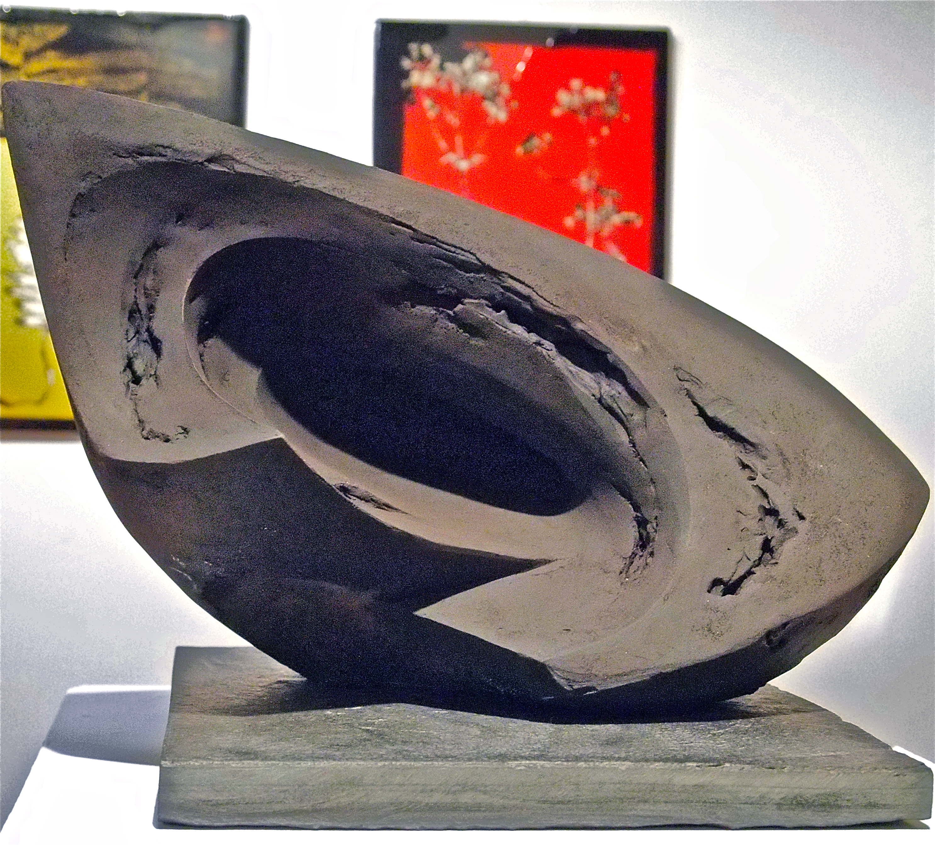 The Edge V, 27cm H x 46cm L x 26cm D, £1300