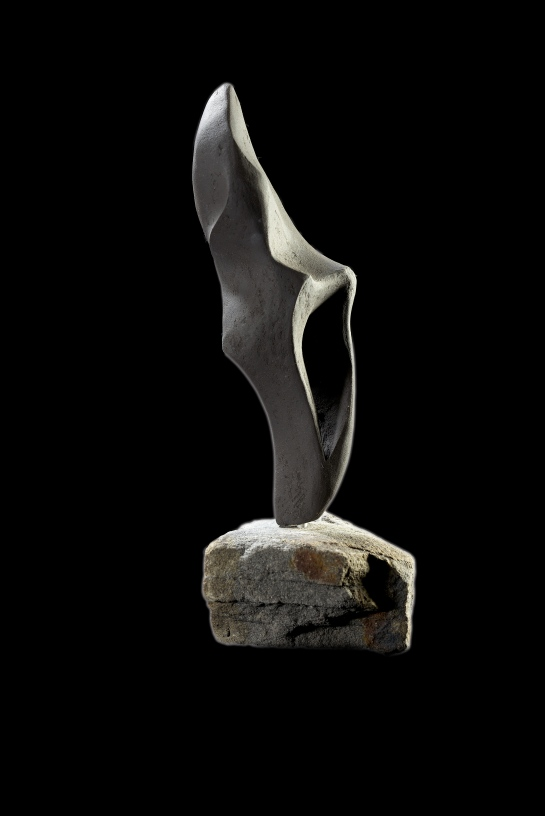 Black Breve I, 17cm H + stone base. £110